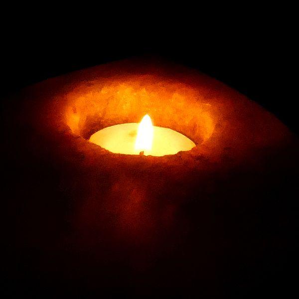 Burning_candle20141215_430cropped (1)